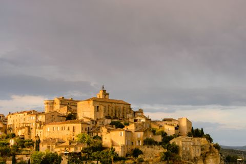 Gordes in avondlicht